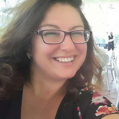 Mi chiamo Samuela e sto cercando un lavoro come babysitter a Catania, Tremestieri Etneo - Prontotata.it