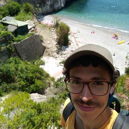Mi chiamo Davide e sto cercando un lavoro come babysitter a Salerno, Salerno - Prontotata.it